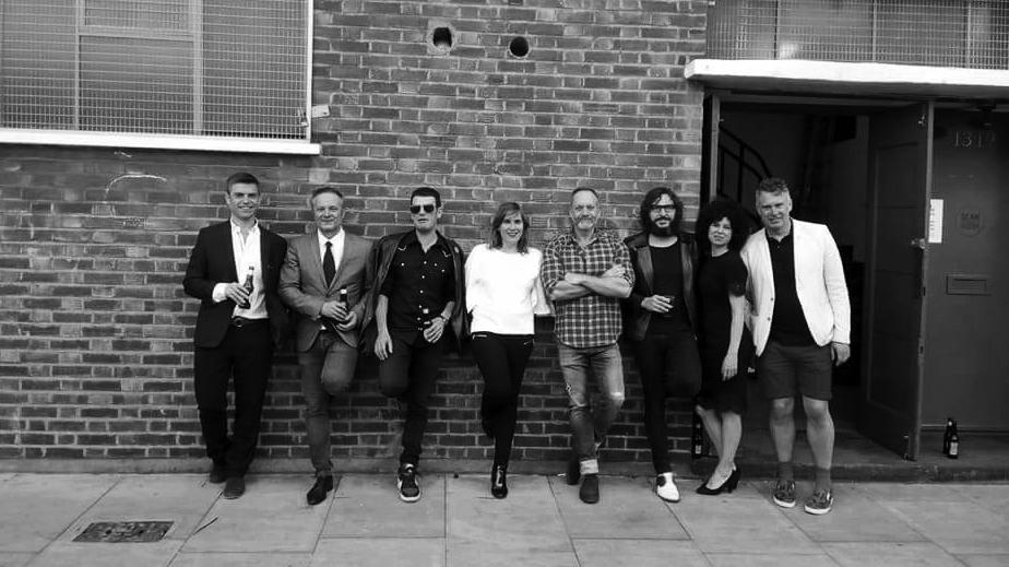 El equipo de SCAN y de 72 en Londres