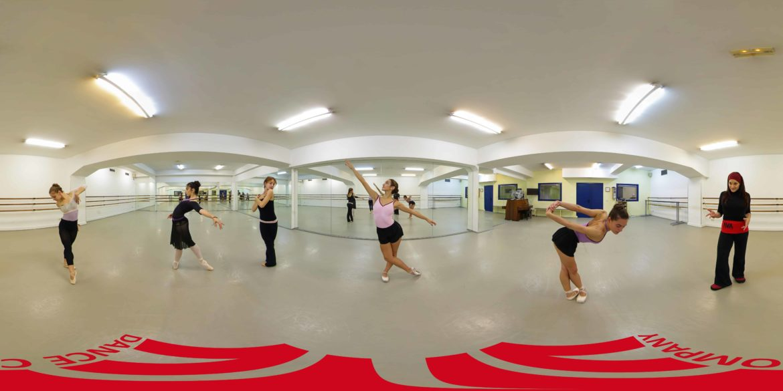 Panoramica AVA Dance Company Logo Suelo Intenso Tamaño Redes by Spheralia Daniel Minguez